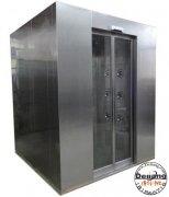 风淋室通常由洁净室兼容的钢或塑料材料制成
